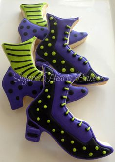 These are cookies, but I love the shape of the witch boot and the purple and yellow polka dots and stripes. I am going to use them as a pattern for Halloween witch shoes.