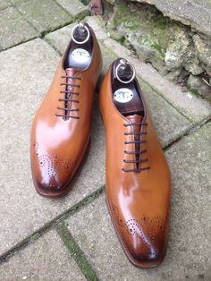 Gaziano & Girling wholecut with medallion and hand-burnished toe.