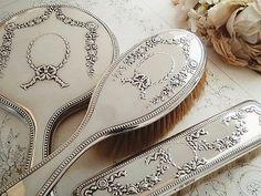 純銀・リボンローズ・ドレッシングセット - イギリスとフランスのアンティーク   バラと天使のアンティーク   Eglantyne(エグランティーヌ)