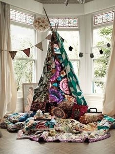 Tipi Reading Tent. I really want to make this!!!
