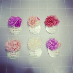【フラワーガーデン】各色¥500/お花の造花パーツ。後ろに針金がついているので、ラッピングのワンポイントとしても使えます。