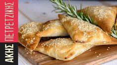 Κοτοπιτάκια | Kitchen Lab by Akis Petretzikis Chef Recipes, Sweets Recipes, Greek Recipes, Gyro Pita, Greek Pastries, Pizza, Greek Cooking, Hot Dog Buns, I Foods