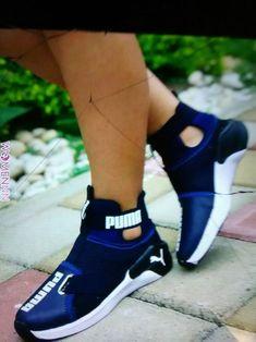 10 Portentous Tips: Puma Shoes For Girls shoes trainers minimal chic.Platform Shoes Punk coat and shoes closet. Cute Sneakers, Sneakers Mode, Sneakers Fashion, Shoes Sneakers, Converse Shoes, Women's Shoes, Fashion Shoes, Shoes Too Big, Cute Shoes