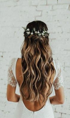 42 Gorgeous Wedding Hairstyles Ideas to Inspire Your Wedding Day---Updo wedding hairstyles with greenery accessories and long curls, Wedding bride bridal hair hairstyle updo hairdo loose waves curls long down half up half down flowers crown Wedding Hairstyles Half Up Half Down, Half Up Half Down Hair, Wedding Hairstyles For Long Hair, Elegant Hairstyles, Wedding Hair And Makeup, Hairstyle Wedding, Hairstyle Ideas, Hair Ideas, Easy Hairstyles