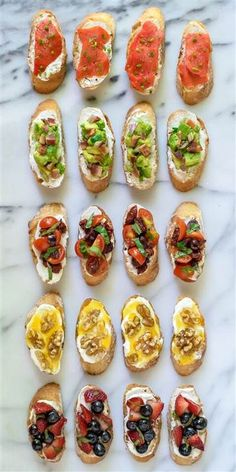 Top simple bruschetta with whipped ricotta and a variety of sweet and savory toppings for a party appetizer that's easy yet impressive.Bruschetta with Whipped Ricotta {wine glass writer} Brunch Recipes, Summer Recipes, Appetizer Recipes, Easy Recipes, Dinner Recipes, Italian Food Appetizers, Healthy Recipes, French Appetizers, Italian Antipasto