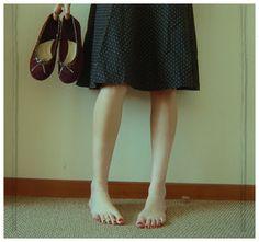 piedi nudi.