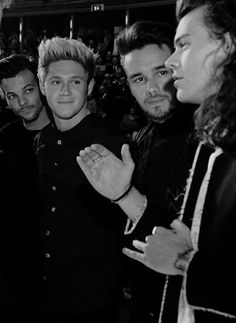 Imagen de one direction, liam payne, and niall horan Black And White Picture Wall, Black And White Wallpaper, Photo Black, Black N White, Black And White Pictures, Niall Horan, Zayn, One Direction Collage, One Direction Images