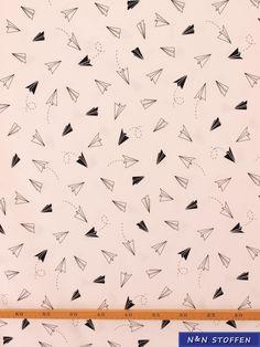 Tricot stof origami vliegtuigen wit - N & N Stoffen