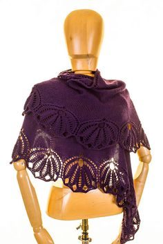 Floria knit shawl pattern by Emily Ross (knitterain)