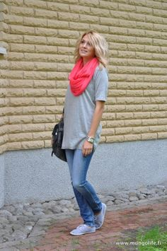 such a cute lazy day outfit , so simple!
