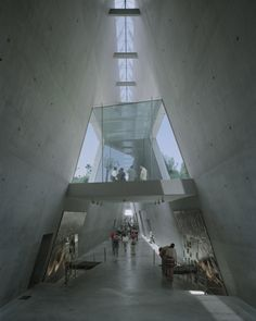 Yad Vashem Holocaust Museum / Safdie Architects
