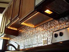 Super kitchen lighting under cabinets diy backsplash ideas Ideas Kitchen Cabinet Molding, Light Kitchen Cabinets, Diy Cabinets, Kitchen Redo, Kitchen Remodel, Upper Cabinets, Kitchen Ideas, Under Cabinet Lighting, Kitchen Lighting