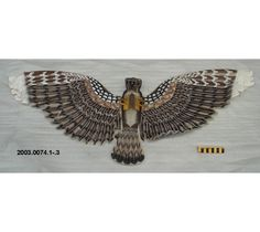 Cerf-volant de la Chine, tissu et bois, avec yeux de verre, aigle. #DeLaCollection du @MuseeAvEspace