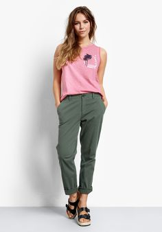 Buy Girlfriend Chinos from Hush: On-trend and highly versatile, our Girlfriend chinos are a new season staple. So easy to wear and just as easy to style, these have a slimmer fit compared to our regular chinos.