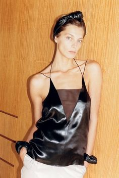 Daria Werbowy by Juergen Teller for Celine S/S 2013 campaign Juergen Teller, Celine, Daria Werbowy, Fashion Images, Fashion Trends, Fashion Gone Rouge, Phoebe Philo, Minimal Fashion, Sensual