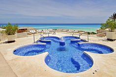 Mega Jacuzzi overlooking the ocean, Omni Cancun Hotel & Villas. http://www.omnihotels.com/FindAHotel/CancunHotelAndVillas.aspx