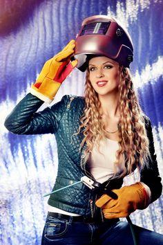 Красотка сварщица   Фотограф: Андрей Кизин Модель: Виолетта