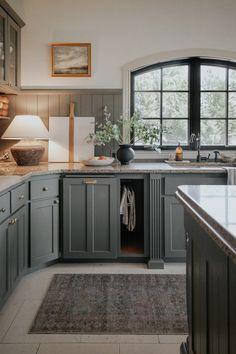 Kitchen On A Budget, Kitchen Redo, Kitchen Layout, Home Decor Kitchen, Kitchen Interior, New Kitchen, Home Kitchens, Kitchen With Window, Kitchen Ideas
