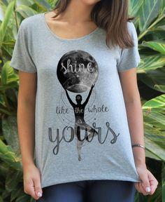 Blusa Lua Anahata Chakra, T Shirts For Women, Tops, Fashion, Sweatshirts, The Moon, Neckline, Block Prints, Women's