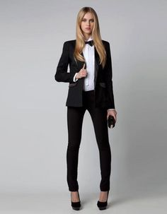 When formal attire becomes mandatory, there is little you can test. Women can choose pants and skirt suits. Formal Business Attire, Business Wear, Business Professional, Business Suits, Young Professional, Professional Attire, Business Casual, Look Fashion, Womens Fashion