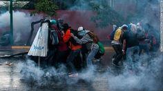 PICS From the Anti-Government Protests in  #VENEZUELA #SOSVenezuela pic.twitter.com/ZJXM0ZQalp