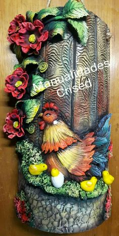 Clay Art Projects, Clay Crafts, Diy And Crafts, Bottle Art, Bottle Crafts, Rooster Kitchen Decor, Clay Wall Art, Tanjore Painting, Mural Art