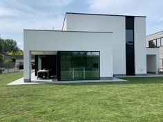 Projecten | Jan Abbeloos Ingenieur Architect Style At Home, Modern Exterior House Designs, Facade, Garage Doors, Mansions, House Styles, Outdoor Decor, Home Decor, Houses