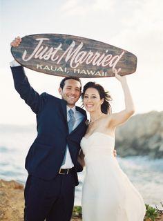 Just married sign: http://www.stylemepretty.com/destination-weddings/2014/12/05/romantic-island-elopement-in-kauai-at-kilohana-plantations/   Photography: Blenda Montoro - http://blendamontoro.com/