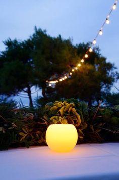 y cuando cae la noche, velas y guirnaldas de luces #laiasegui  ... and when the night falls candles and garlands lights #weddingplanner