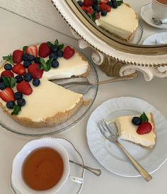 Think Food, I Love Food, Good Food, Yummy Food, Cute Desserts, Dessert Recipes, Cafe Food, Aesthetic Food, Food Cravings