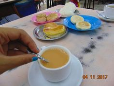 Breakfast with Burmese street tea and snacks
