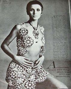1969 Julie Driscoll - Richard Avadon Vogue Fashion Photo #3