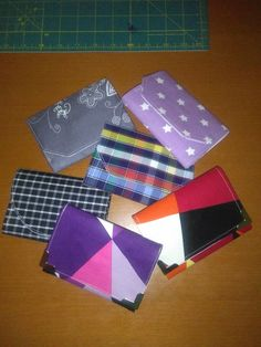 Card Case, Wallet, Cards, Scrappy Quilts, Maps, Playing Cards, Purses, Diy Wallet, Purse