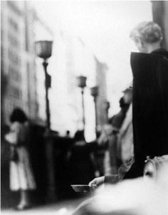 Saul Leiter - Photographer - the Fashion Spot. 14th Street. 1950