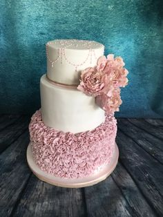 Pastel pink and gold ruffle cake by Meme's Cakes Beautiful Wedding Cakes, Gorgeous Cakes, Pretty Cakes, Cute Cakes, Amazing Cakes, Fondant Cakes, Cupcake Cakes, 50th Wedding Anniversary Cakes, Foundant