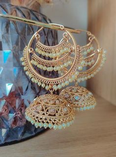 Tall Fashion Tips .Tall Fashion Tips Indian Bridal Jewelry Sets, Indian Jewelry Earrings, Jewelry Design Earrings, Ear Jewelry, Wedding Jewelry, Bridal Bangles, Bridal Jewellery, Jewelry Accessories, Antique Jewellery Designs