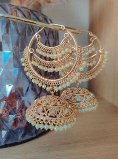 Tall Fashion Tips .Tall Fashion Tips Indian Jewelry Earrings, Indian Jewelry Sets, Jewelry Design Earrings, Ear Jewelry, Girls Jewelry, Bridal Jewelry Sets, Fashion Earrings, Fashion Jewelry, Bridal Bangles