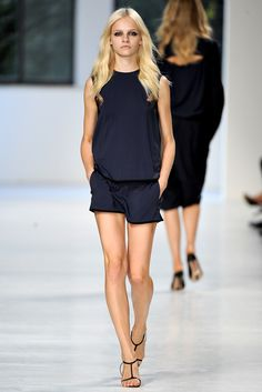 No. 21 Spring 2011 Ready-to-Wear - Collection - Gallery - Style.com