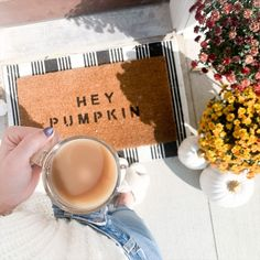 so obsessed with these thanksgiving decor ideas!! my family is going to love this! First Apartment Decorating, Apartment Bedroom Decor, Thanksgiving Decorations Outdoor, Ikea, Fall Table, Table Settings, Pumpkin, Decor Ideas, Pumpkins