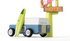 Candylab Toys Holzauto Drifter mit Surfbrett