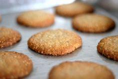 Μπισκότα βρώμης με μέλι (χωρίς αλεύρι, ζάχαρη και βούτυρο) Bakery Recipes, Sweets Recipes, Cookie Recipes, Healthy Cake, Healthy Cookies, Pureed Food Recipes, Baby Food Recipes, Vegan Sweets, Healthy Desserts
