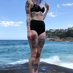 """1,566 curtidas, 5 comentários - Hannah (@spannie1234) no Instagram: """"So happy with all the beautiful pieces of art I have obtained on my body in the past year and so…"""""""