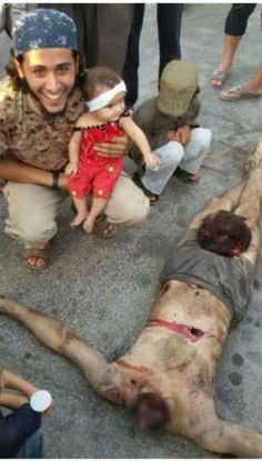 Islamic State barbaric militants follows the gangster Muhammad advice to cut the enemies head off.