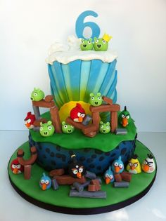 Angry Birds Cake I made this cake for my son's birthday. All molded decorations made from gumpaste Torta Angry Birds, Cumpleaños Angry Birds, Angry Birds Birthday Cake, Bird Birthday Parties, 7th Birthday, Birthday Ideas, Bird Cakes, Cupcake Cakes, Cupcakes