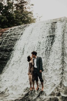 The sweetest kiss before a waterfall | Image by India Earl