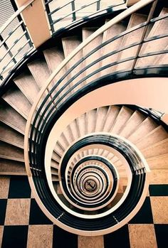Spiral in black and white. / Spirale en noir et blanc. Stairs And Staircase, Take The Stairs, Grand Staircase, Staircase Design, Spiral Staircases, White Staircase, Beautiful Stairs, Beautiful Buildings, Architecture Unique