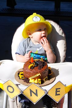 Cake time  BLATANT BORROWER: First Birthday - Construction Party