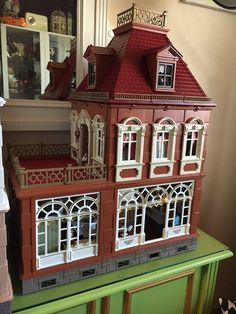 """""""The new project: a tailor with small boutique"""" Boutique, Twitter, Holiday Decor, Projects, Home Decor, Playmobil, Log Projects, Interior Design, Home Interior Design"""