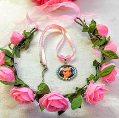 1 Set Moana Crown Pink Flower And Necklace by getparty on Etsy https://www.etsy.com/listing/483661363/1-set-moana-crown-pink-flower-and