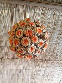 Lustre de flores de crochê, restaurante Dona Mariquita, Salvador